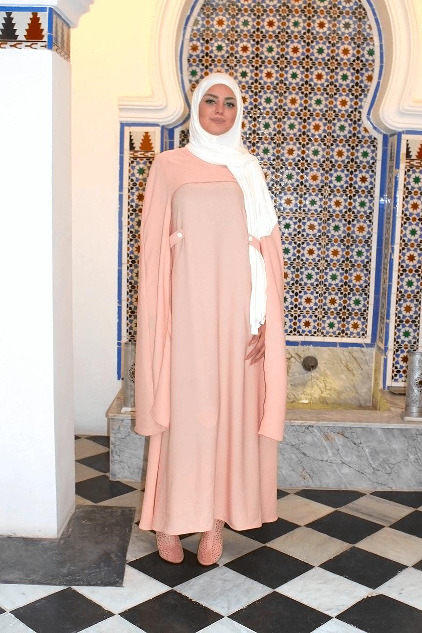 Abaya et sa Longue cape