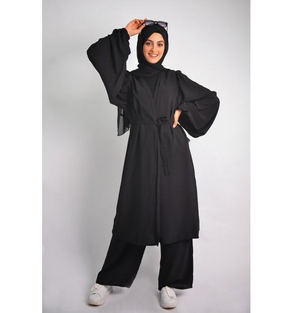 Emirati queen Abaya